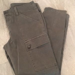 Banana Republic Stretch cargo pant in army green